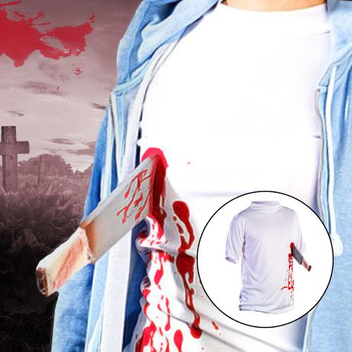 T Shirt Machete in der Brust