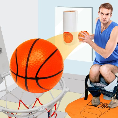 toiletten basketball set k rbewerfen auf dem stillen rtchen. Black Bedroom Furniture Sets. Home Design Ideas